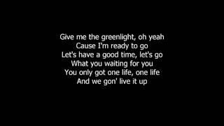 Pitbull Green Light ft Flo Rida, LunchMoney Lewis + Lyrics