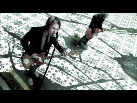 Feeder - &#039;Feeling A Moment&#039; - Official Music Video - HD