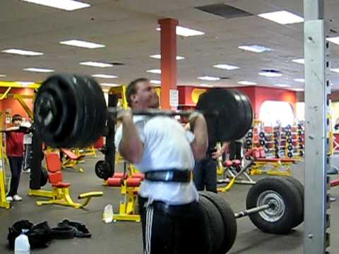 Derek Poundstone 400lb axle clean and press for a double Image 1