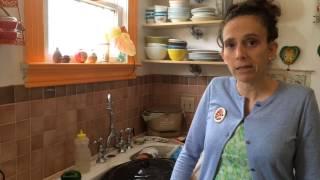 Kittee Berns shows how to make Ethiopian injera