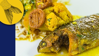 Koi Mach'er Jhol Phulkopi diye | Bengali Koi Fish Curry with Cauliflowers