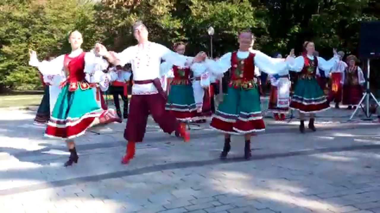 Песни помогали и в радости и в горев видео использованы отрывки из русских народных песен