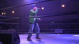 Chase - Boxin without gloves - live in boxing ring