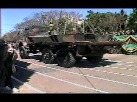 Desfile Militar - Tanques  de Guerra -2010 .