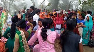 Jaan lebu ka a Jaan jiyate mua k Bhojpuri carding dance