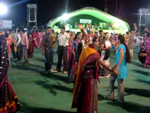 Team NriGujarati.Co.In Playing Garba in Surbhi Group Navratri...