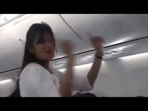 Leaked Spicejet Holi Celebration Best Video - Air Hostess Dancing to  Balam Pichkari Song