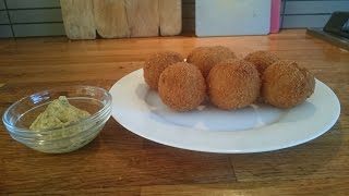 Bitterballen - Recipe Dutch fried beef croquette balls with crispy crust