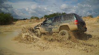Jeep Grand Cherokee ZJ V8 Offroad mud playing