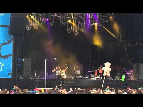 J, Roddy Walston and the Business-Heavy Bells-LIVE-Lollapalooza 2014