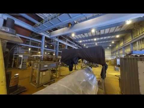 Ghent employees move a 55-ton rotor in 70 seconds