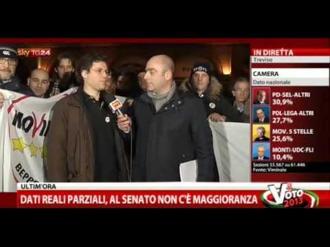 Alessandro Gnocchi (M5S) Movimento 5 Stelle è in festa dopo il voto.