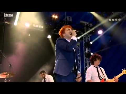 Drugstore Perfume (live) - Gerard Way at Reading Festival 2014