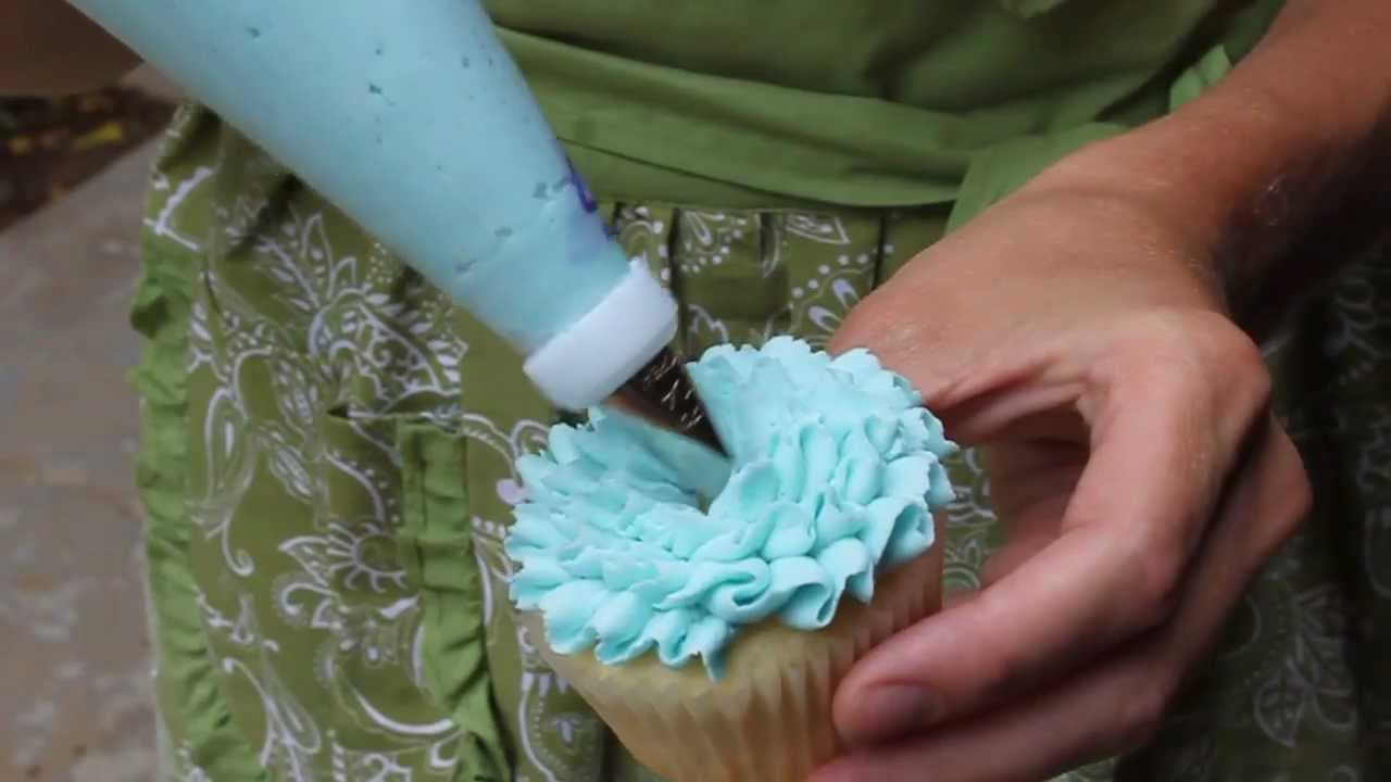 Easy Cupcake Frosting Technique Youtube