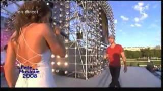 Enrique Iglesias & Nadiya - Fete de la musique 2008 - Tired of being sorry