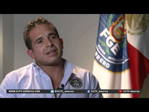 Resort town of Acapulco caught in violent drug war