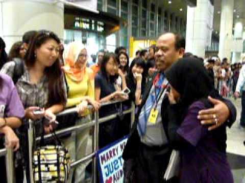 Justin Bieber KLIA (guards confirm a no show) Malaysia