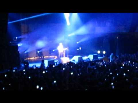 "Ed Sheeran ""Wake Me Up"" live at the Hollywood Palladium (2/9/13) #1"