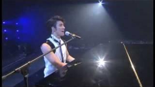 Wang Lee Hom - Ni Bu Zai 你不在 + Wei Yi 唯一 at Music Man Concert DVD