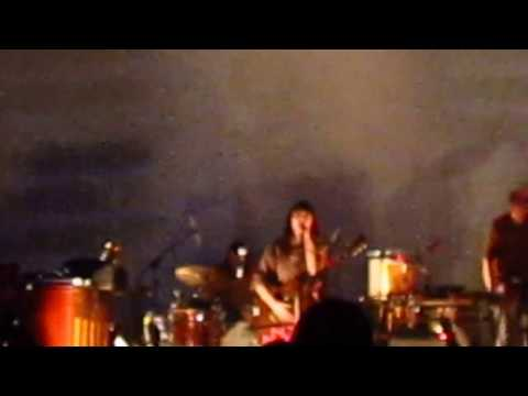 Feist - The Bad in Each Other live at Lyon