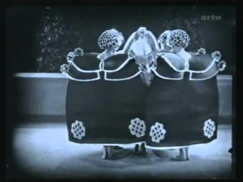 Alla Nazimova dances the Dance of the Seven Veils in Salome (1923)