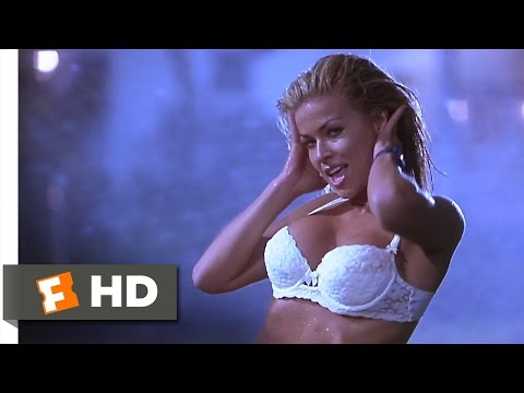 Scary Movie Movie Clip - watch all clips http://j.mp/zZllCN click to subscribe http://j.mp/sNDUs5 Drew (Carmen Electra) bungles her way into the hands of dea...