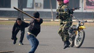 Marinir ini mampu robohkan 5 Preman sendirian. (Demonstrasi beladiri Militer) - ATRAKSI #13