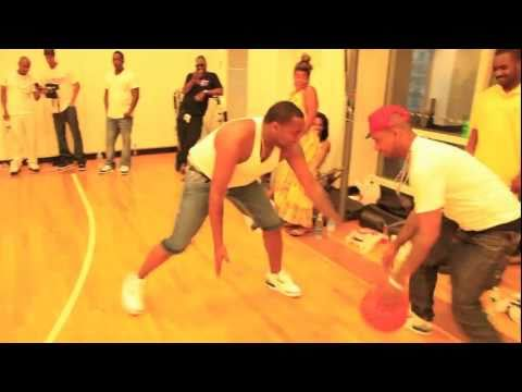 Chris Brown, Waka Flocka, Trav, Juelz , Jim Jones & more playing Basketball (@Ace_OTB)