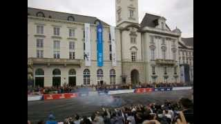 Verva Street Racing 2012 - F1 formula car RB7 with 750hp doing donuts on 3rd lap!!!!
