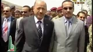 أحمد علي عبد الله صالح يفتتح مهرجان صيف صنعاء مقطع نادر جداً