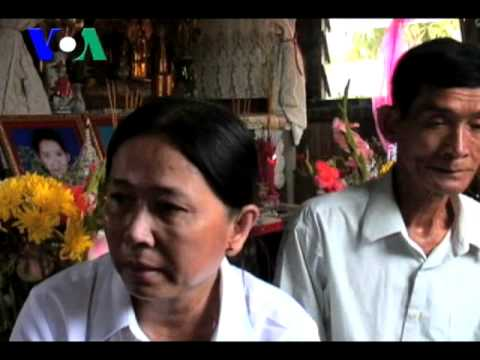 Parents Mourn Stampede Deaths of Two Daughters with 100 Day Ceremony (Cambodia news in Khmer)