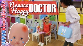 Qué le pasa a mi BEBÉ!? 👶 NENUCO Happy Doctor en SUPERDivertilandia.