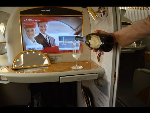 Emirates First Class on the A380 : Auckland to Melbourne EK407