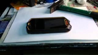 Краш тест crash test Runbo Q5, защищённый телефон от сервисного центра Sealsshop.ru