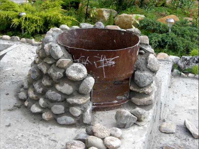 Из камня для дачи