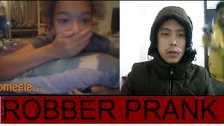 Robber Prank on Omegle! (SHE CALLS THE POLICE)