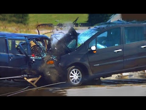 Fifth Gear - Renault Modus v Volvo 940 Crash Test