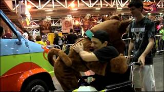 WWE-Scooby Doo hangs out with the WWE Universe at WrestleMania 30 Axxess