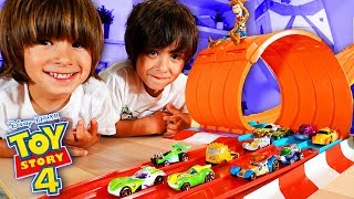 Desafio HOT WHEELS TOY STORY 4 Originales Vs. Copias CHALLENGE con DANI y EVAN
