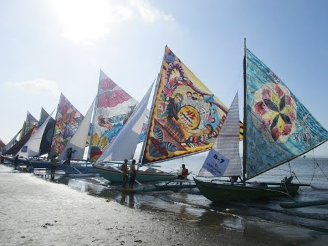 The boats and their beautifull sails ~ 2015 Paraw Regatta ~ Iloilo City, Philippines