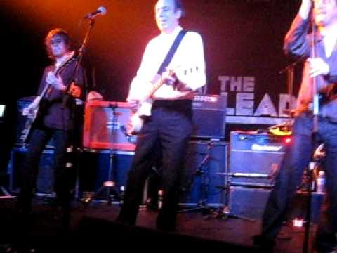 Armagideon Time - Mick Jones (of The Clash and BAD) with The Farm and Pete Wylie