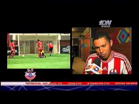 Chapis y su reportaje en el  Indoor Soccer, Chivas - Toluca, Zona Chiva 23 Octubre 2012