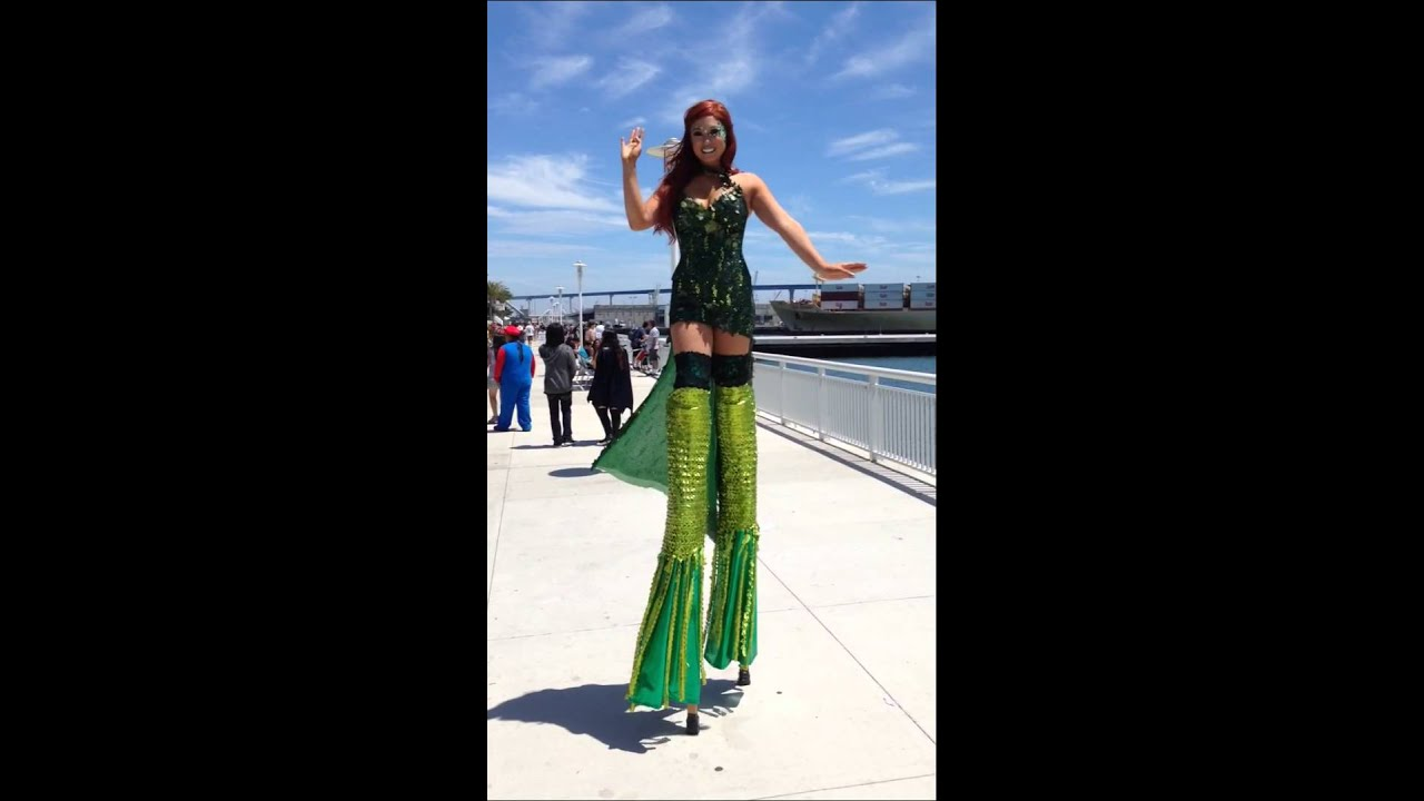 [Mermaid - SDCC - Tall Green Girl Comic-Con 2015] Video