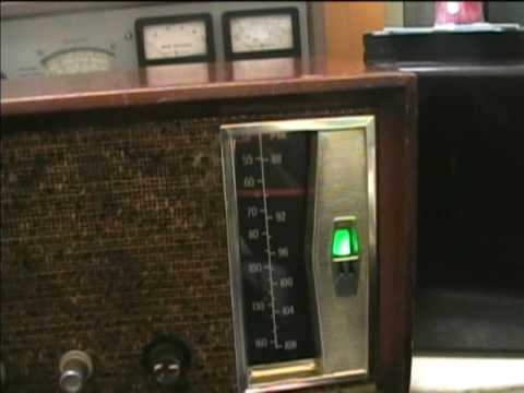 1959 Motorola AM/FM Tube-Type Radio Repair (April 2010)