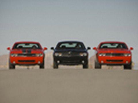 Challenger Drag Race! - SE vs R/T vs SRT8