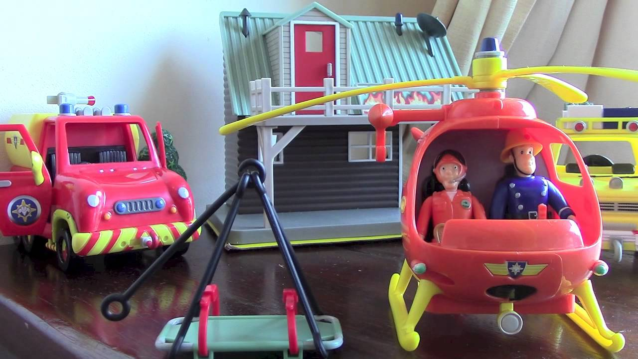 Sam toys playset with helicopter burning house and action