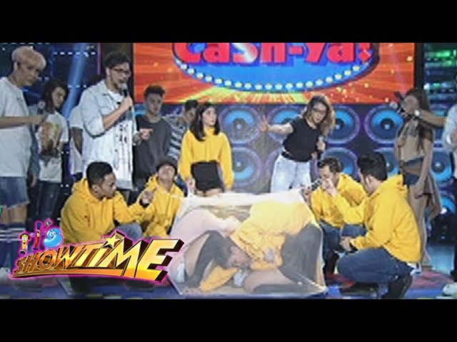 It's Showtime: Team Karylle fits inside a 'kulambo'