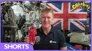 Tim Peake and Miss Mouse on the International Space Station - Stargazing - CBeebies