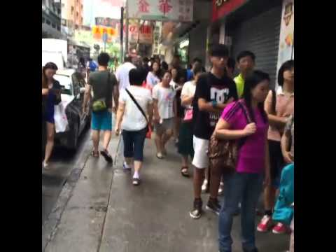 Super duper long queue for a breakfast at Australia Dairy Company - Hong Kong