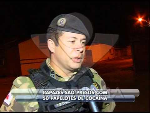 Dois são presos acusados de tráfico de drogas no bairro Minas Gerais